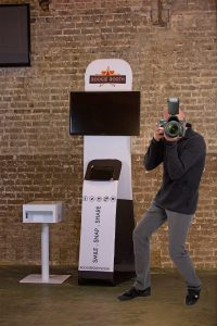 roaming-photo-booth-photographer